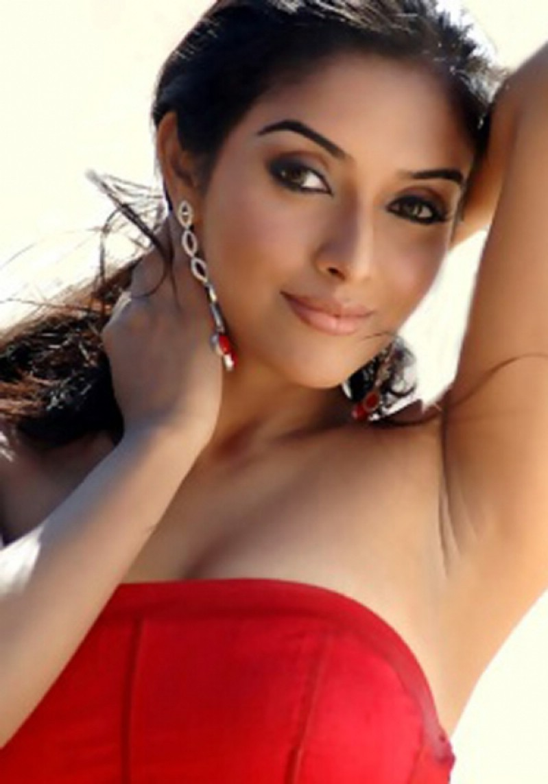 Actress asin hot stills archives kollywood today for Today hot pic